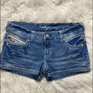 ‼️ Sweet Zippered Pocket Jean Shorts
